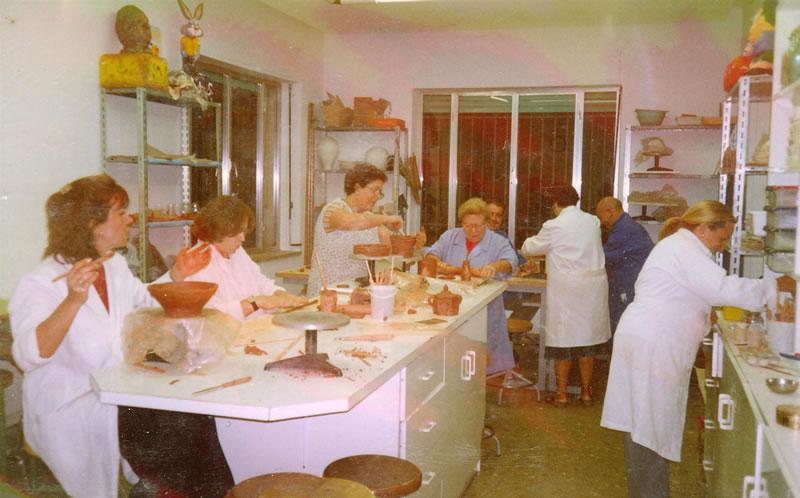 Curso de cerámica organizado por AMFI de octubre a diciembre de 2001