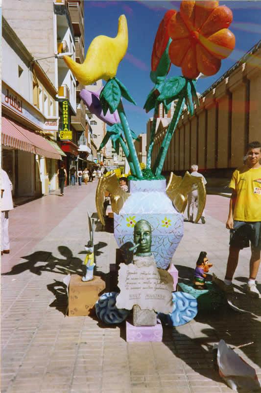 Taller de figuras plásticas en Elda organizado por Amfi e IDELSA, julio de 1999